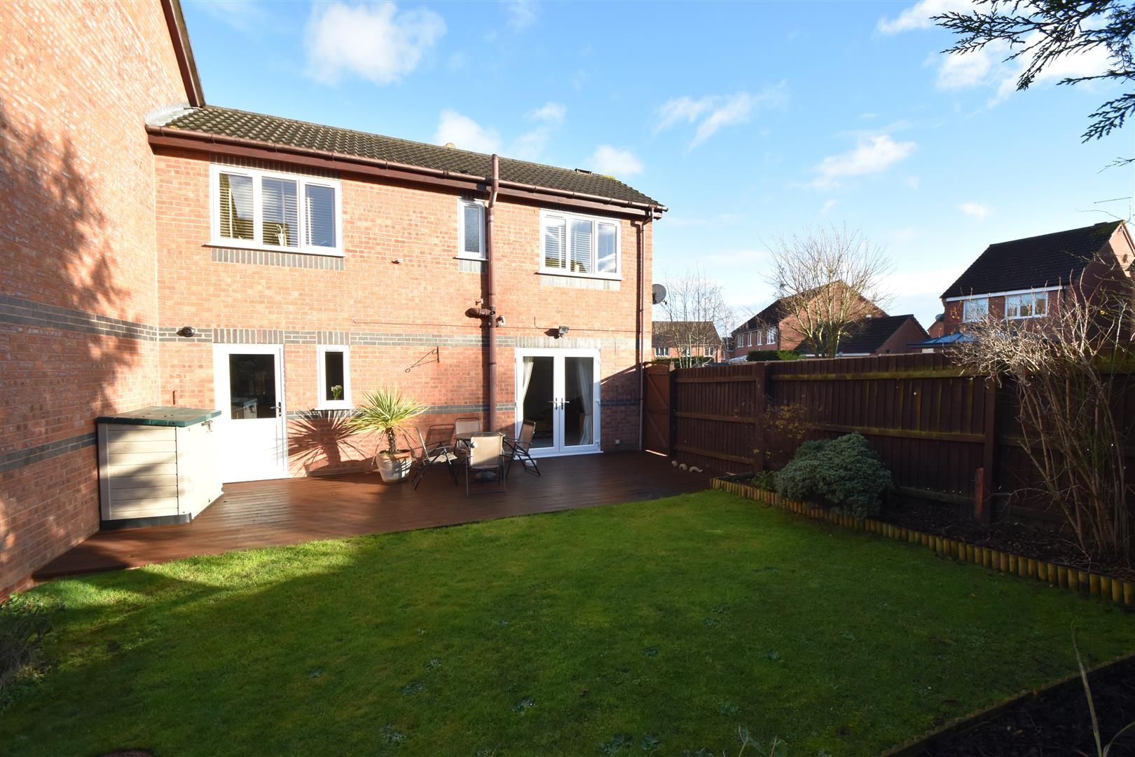 2 Bedrooms Terraced House for sale in Idleton, Worcester